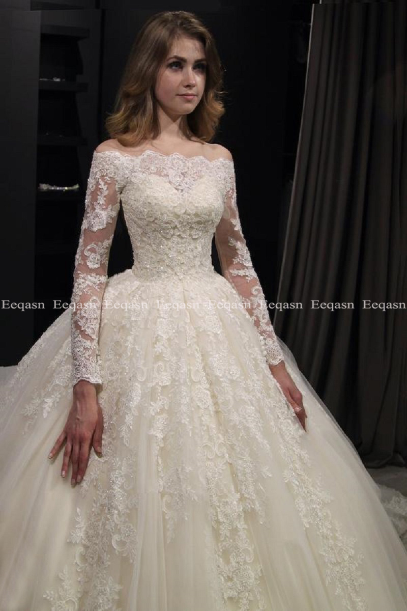 Image 2 - Luxury Ball Gown White Long Sleeves Wedding Dresses 2019 Muslim Lace Dubai Arabic Wedding Gown Bride Dress Robe De Mariee-in Wedding Dresses from Weddings & Events