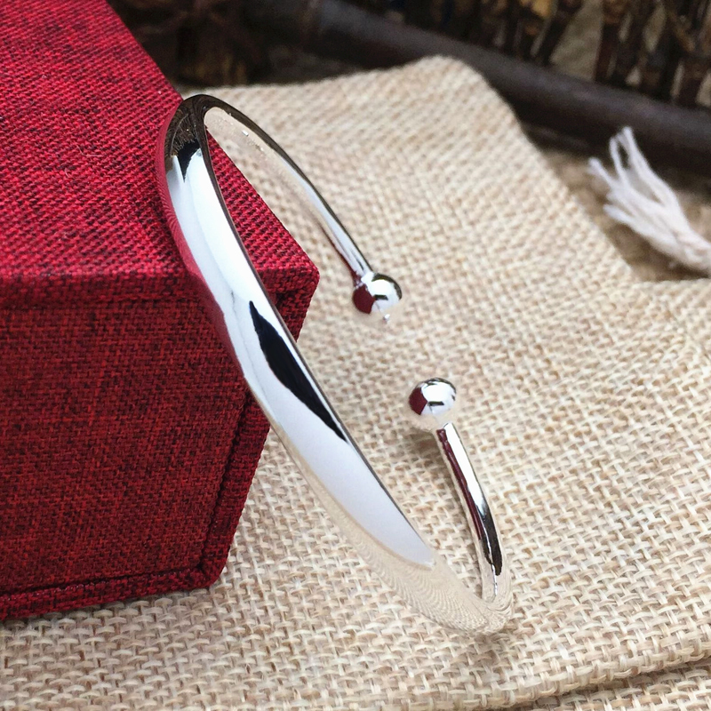 999 Sterling Silver Bracelet female fashion Zuyin smooth opening solid Royal silver bracelet send her girlfriend her royal spyness