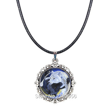 9a2c87092b49 Ying Yang gargantilla Collar de lobo colgante Yin Yang Collar Tai Chi signo  blanco y negro Lobo joyería regalos para amante Animal
