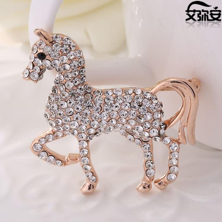 Free shipping rhinestone horse badge size 3.5x3.9cm