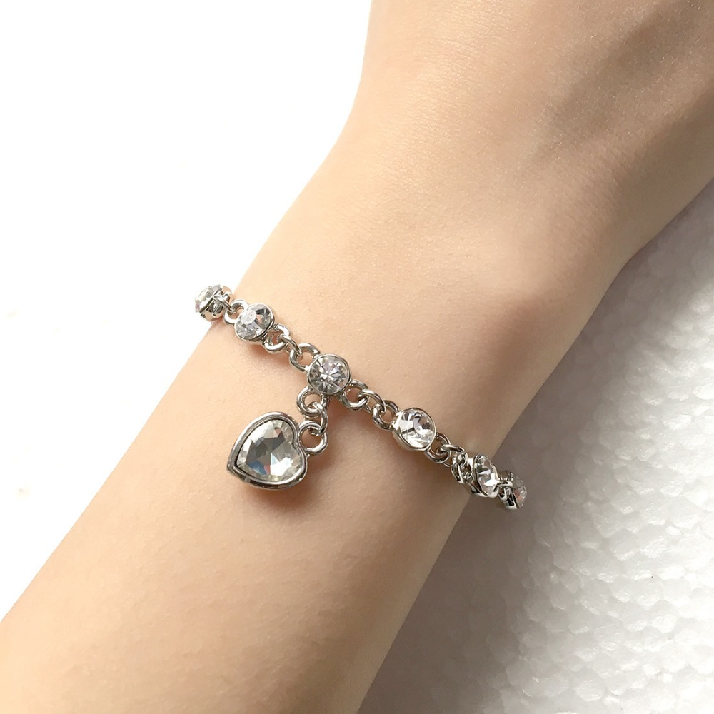 XIUFEN New Arrival Simple Bracelet Crystal Heart Gold/White Chain Rhinestone Bracelet Hand Chain for Gril Chrismas Gifts zk15