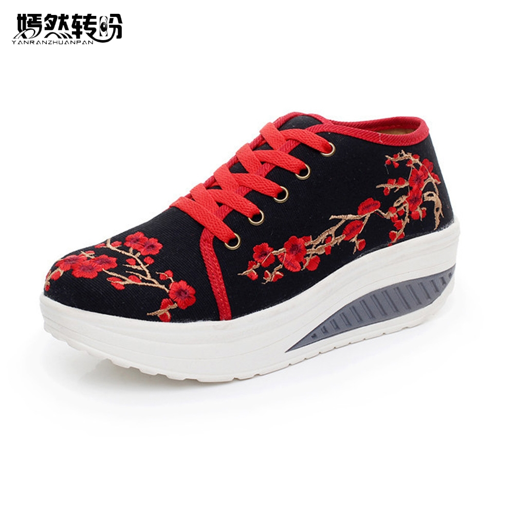 Women Shoes 2017 Spring Comfortable Old BeiJing Embroidery Shoes Tourism Plum Floral Ballet Shoes Woman old beijing cloth shoes spring and autumn round women s wide stripe flat shoes comfortable shoes free shipping