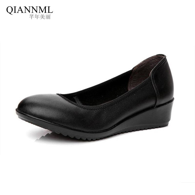 ФОТО Top Quality Women's Wedges Work Shoes 2017 Spring Slip on Women Pumps Genuine Leather Shoes Medium Heels Moccasins