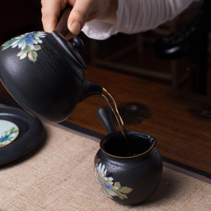 Koffiepot Kung handgeschilderde Lijnen