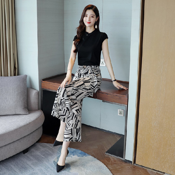 2019 Summer Elegant Two Piece Sets Outfits Women Plus Size Short Sleeve T-shirts And Printed Wide Leg Pants With Belt Suits Sets 27