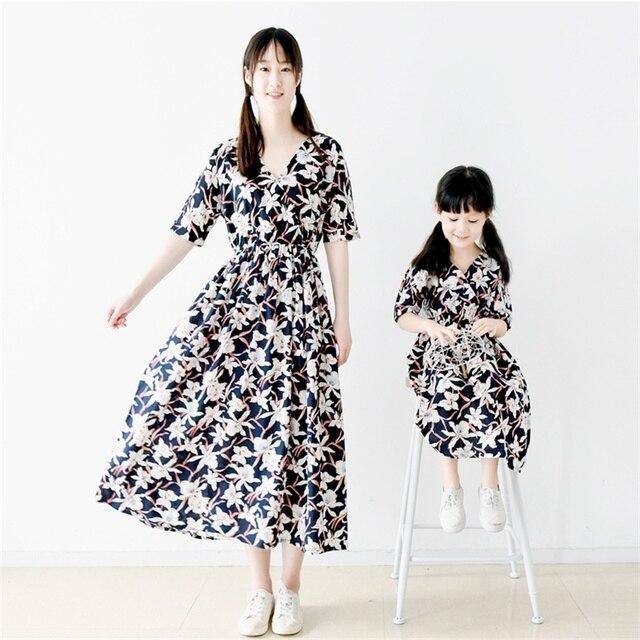 2017 семья посмотрите 100% хлопок цветок V-образным Вырезом беременных женщин юбки дети женский праздник платье мать и дочь платья пляж
