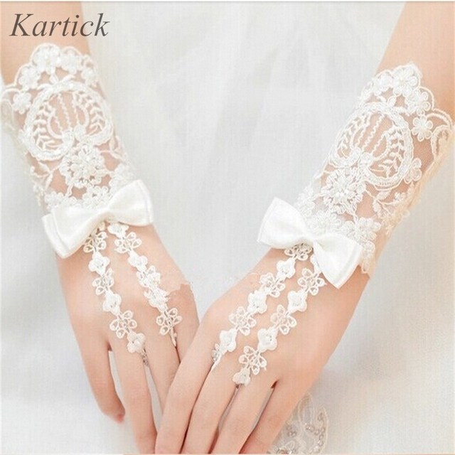 Hot Wedding Gloves 2017 New Fingerless Short Bridal Glove With Lace Liqued Bow Dress