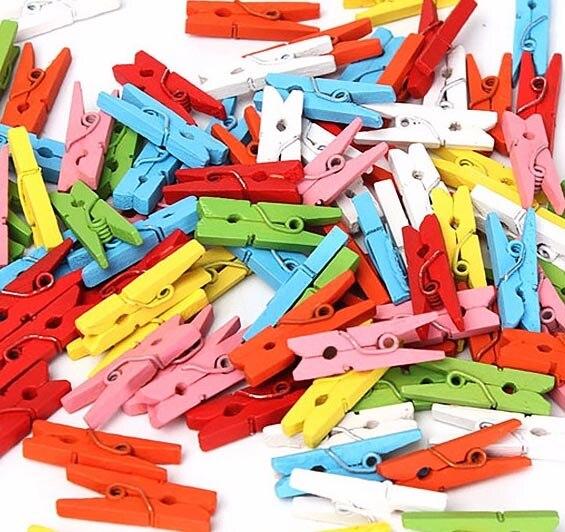 จัดส่งฟรี100ชิ้น25มิลลิเมตรมินิสีหัตถกรรมไม้ตอกเสื้อผ้ากระดาษภาพ