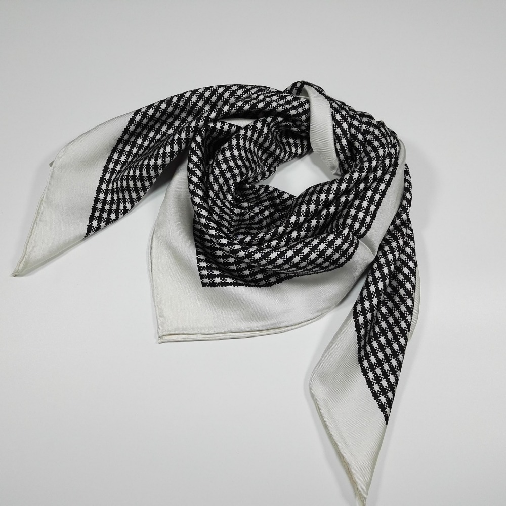 Temperament Black White Houndstooth Print 100% Silk Twill   Scarf   Shawl ,Women's Square Silk   Scarves     Wraps   90x90cm