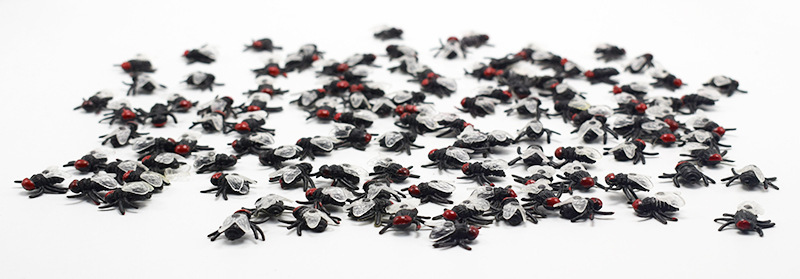 50Pcs Halloween gadget Plastic flies Joke Decoration Props Rubber Toy Gags Practical Jokes Toys Plastic insect fly prank gifts in Gags Practical Jokes from Toys Hobbies