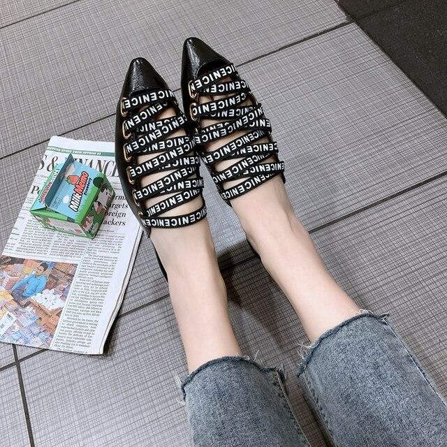 COOTELILI Chinelos Mulheres de Verão Sapatos de Praia Mulher Desliza Deslizamento em Sandálias de Salto Plana Feminino Sapato de Bico Fino Mulheres Sapatos Bege Preto