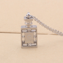 New Designer Brand Luxury Fashion Elegant Jewelry 316L Stainless Steel Austrian Crystal Perfume Bottle Necklace