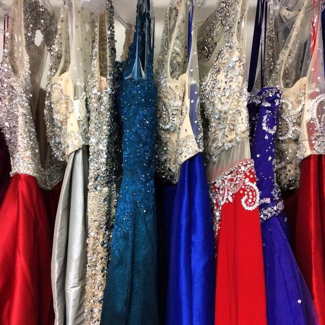 Renda cinza apliques a linha vestidos de dama de honra longo halter sem mangas tule contas honra até o chão vestidos de festa longo