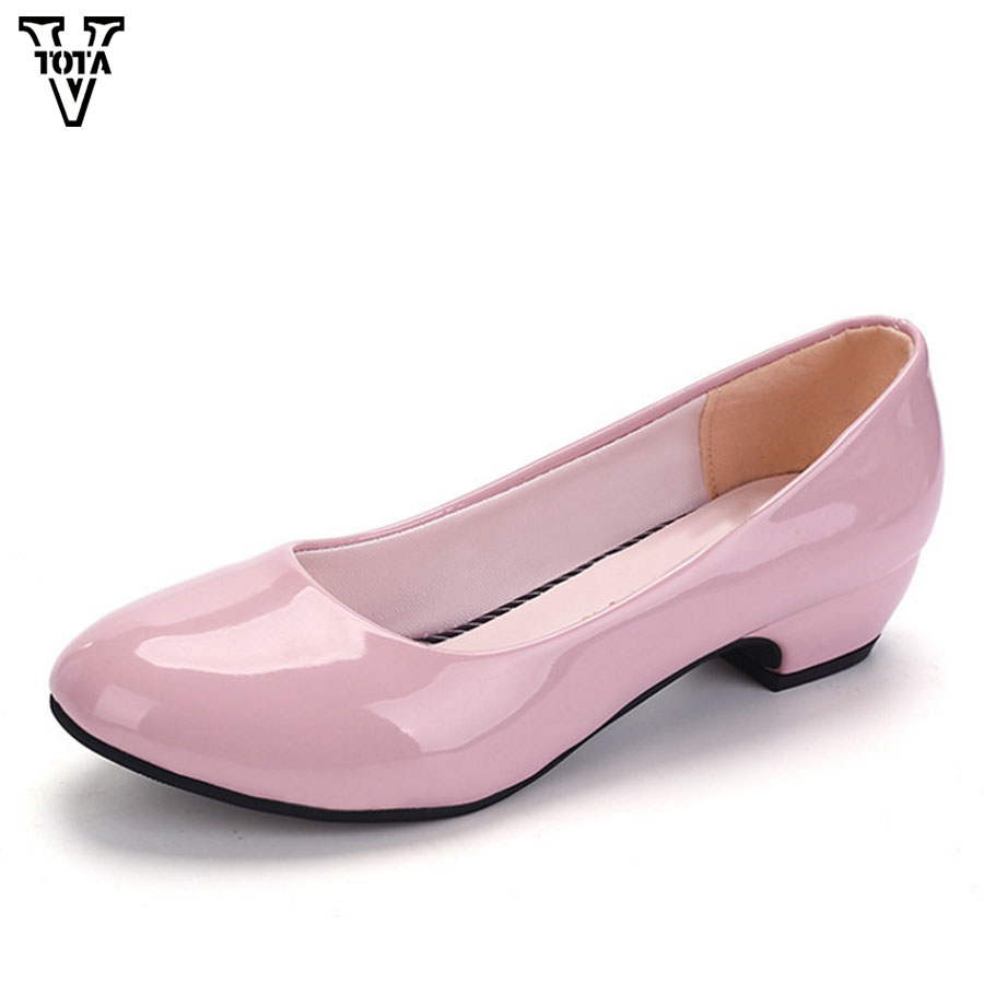 цена VTOTA Women Pumps Shoes Brand Women Shoes Spring Autumn Shoes Woman Low Square Heel Zapatos Mujer Ladies Slip On Shoes LS11