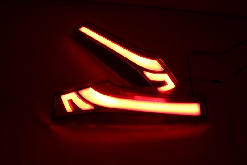 Car Flashing 1 Pair Led Column Tail Lamp Rear Running Tail Lamp Break Lights kit For