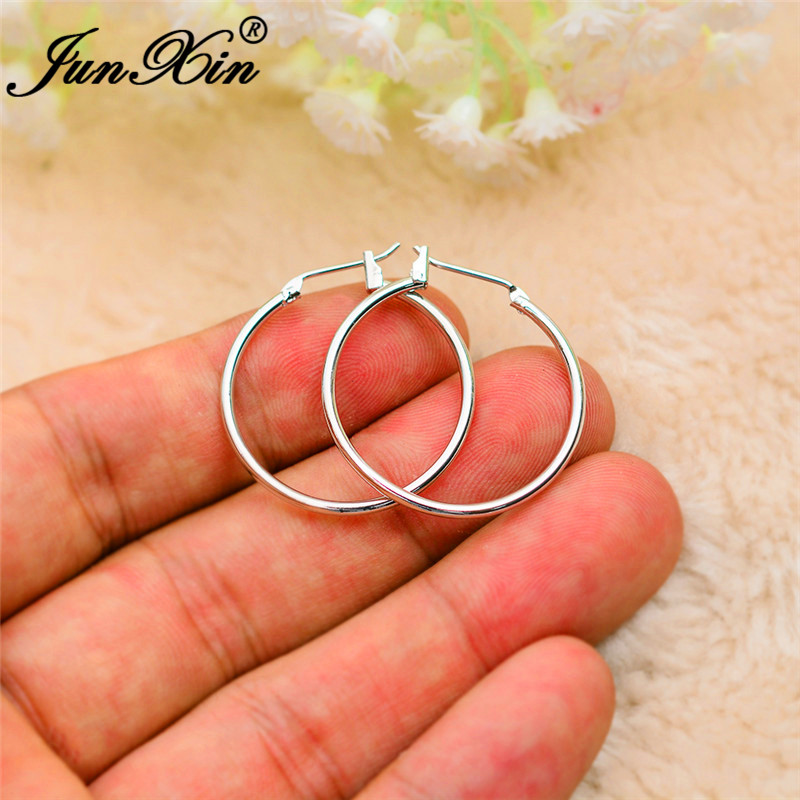 JUNXIN Female Male Minimalist Circle Earrings White Rose Gold Color Round Hoop Earrings For Women Men Thin Wedding Earrings