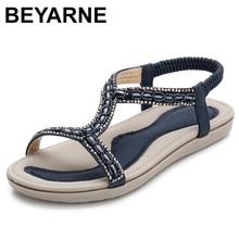 BEYARNE קיץ נשים גלדיאטור דירות סנדלי נעלי אישה מקרית בוהמיה אור קריסטל חרוז כישלון להעיף נשי חוף סנדלי