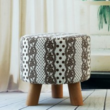 Simple Modern Fashion Shoes Stool Solid Wood Sitting Stool Soft Linen Fabric Small Sofa 3 Legs stool Creative Lving Room Stool