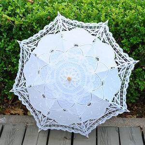 Image 2 - 2020 sommer Vintage Spitze Braut Regenschirme 68cm * 52cm Weiß Frauen Sonnenschirm Hochzeit Regenschirm für Braut Sonne schutz Regenschirm