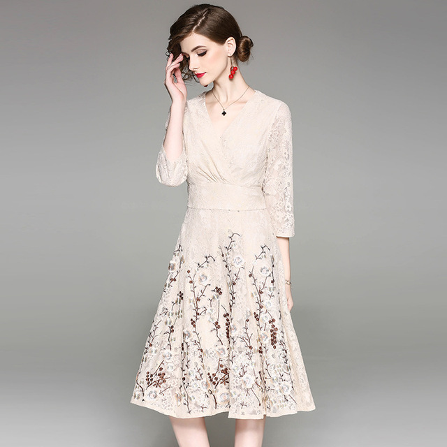 Large Sizes XXL Floral Embroidery Lace Dress