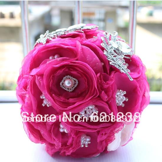 comprar super hermosa novia sosteniendo ramos de flores rojas de la boda broche de joyera chino mano que sostiene las flores de brooch