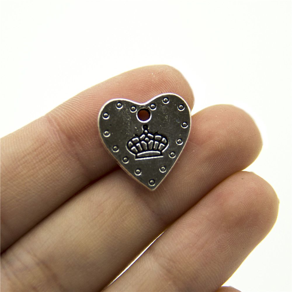 20 units Pendant antique sliver Crown and love Pendants Jewelry Findings & Components 15x19mm D-3-303