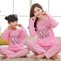 2017 Семейные Рождественские Пижамы Hello Kitty Соответствия Мать Дочь Одежда Чистого Хлопка С Длинным Рукавом Дети Pijamas Пижамы Fille