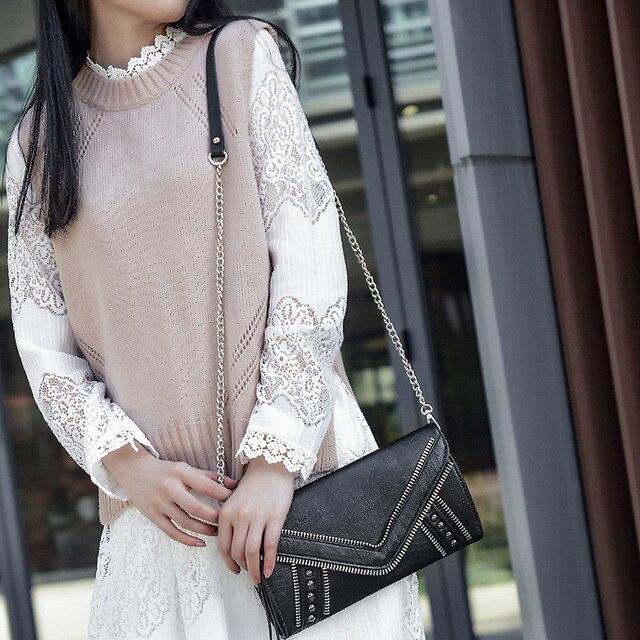 2017 Brand Paste Punk Rock Style Women Clutch Genuine Leather Sheepskin Female Crossbody Bag Envelope Shape Black Purse Chain