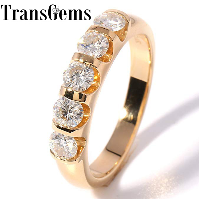 TransGems Classic Solid 14K 585 Oro amarillo 1.25CTW 4MM F Color Moissanite Wedding Band para regalo de mujer