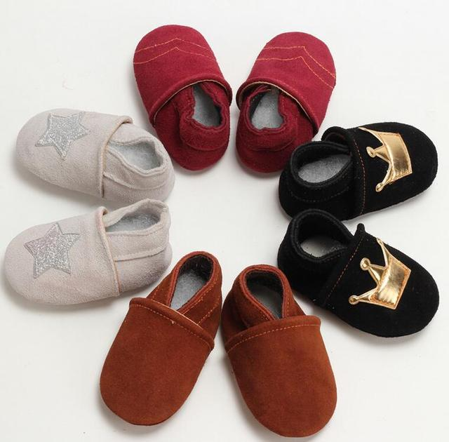 Free Shipping 1 Pair Send Newest Christmas Star Crown Design Genuine Leather Baby Moccasins 0-6 6-12 12-18 18-24