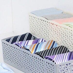 Image 5 - 5 Grids Lagerung Korb Schrank Veranstalter Frauen Männer Lagerung Box Für Socken Unterwäsche Kunststoff Container Make Up Veranstalter heißer A3072
