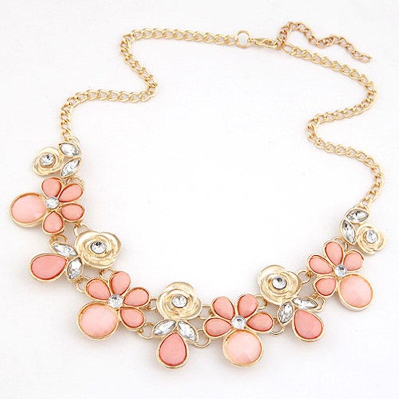 11e5e88c674 Aliexpress.com Buy Collier femme Resin Flower Necklaces Pendants Women  Choker Statement necklace 2016 Bohemian Maix Colar bijoux femme from  Reliable ...
