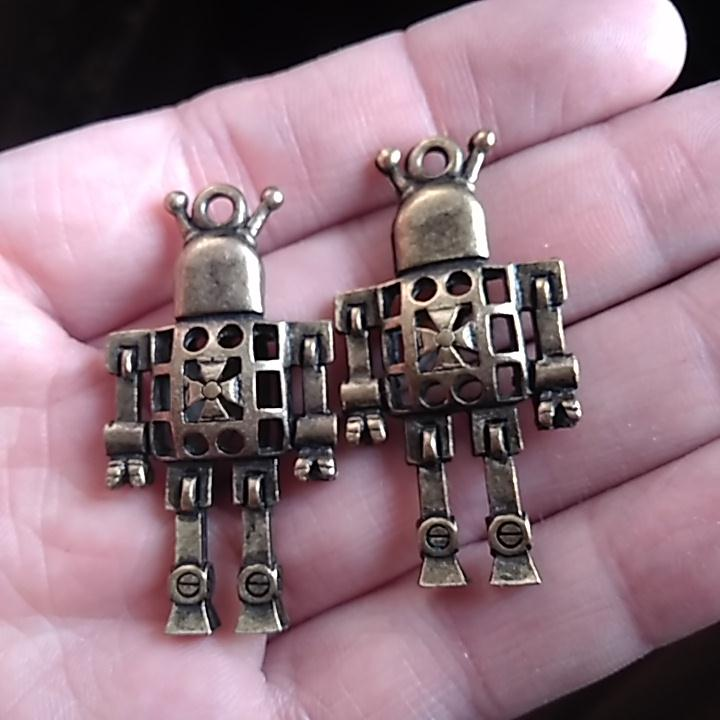 1pcs machine cross steampunk 3D robot 42 24mm DIY Retro Bronze Jewelry Bracelet Necklace pendant Free