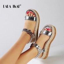 3b43c4de9ca45b LALA IKAI Coins Chaussures Pour Femmes Talons hauts Sandales Boucle Sangle Coins  Sandales Or Argent Sandalia Feminina 014C3394-4