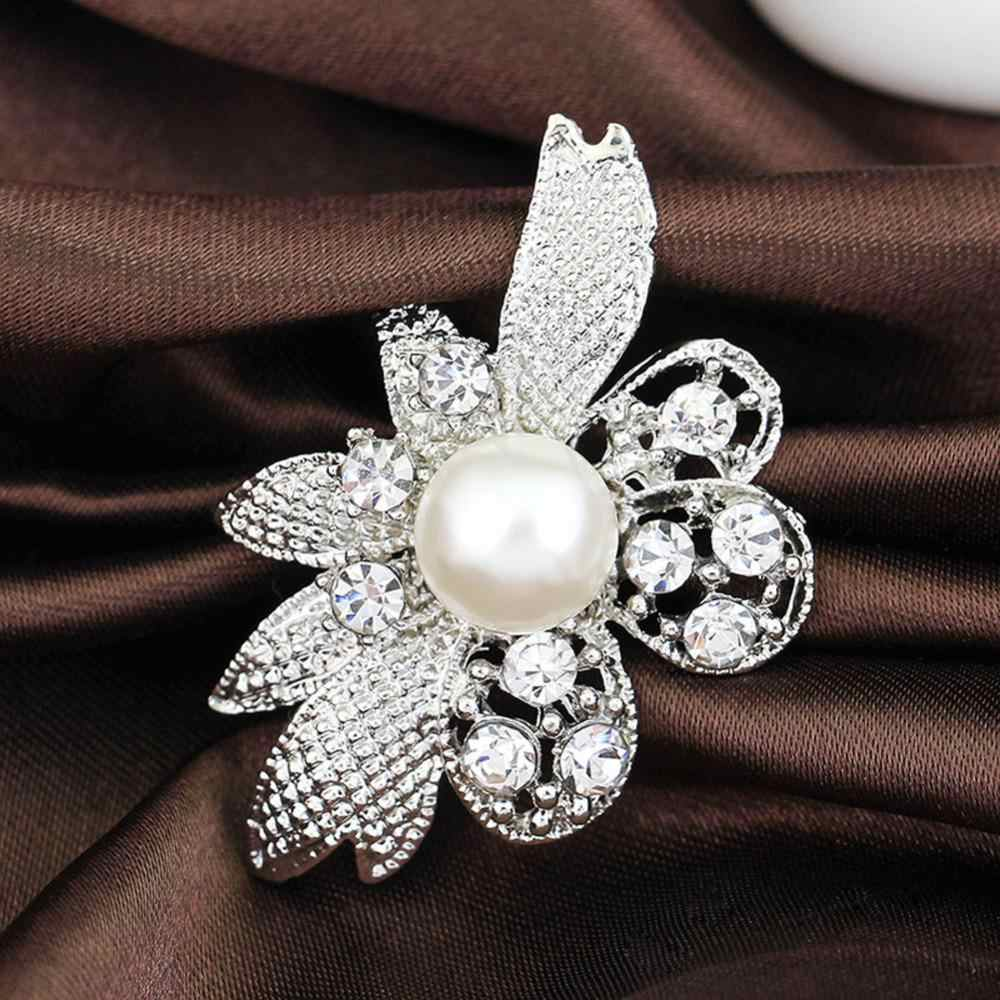 Female Basic Elegant Crystal Pearl Flower Brooches For Wedding Party Dress Color Silver Brooch Pin Gift