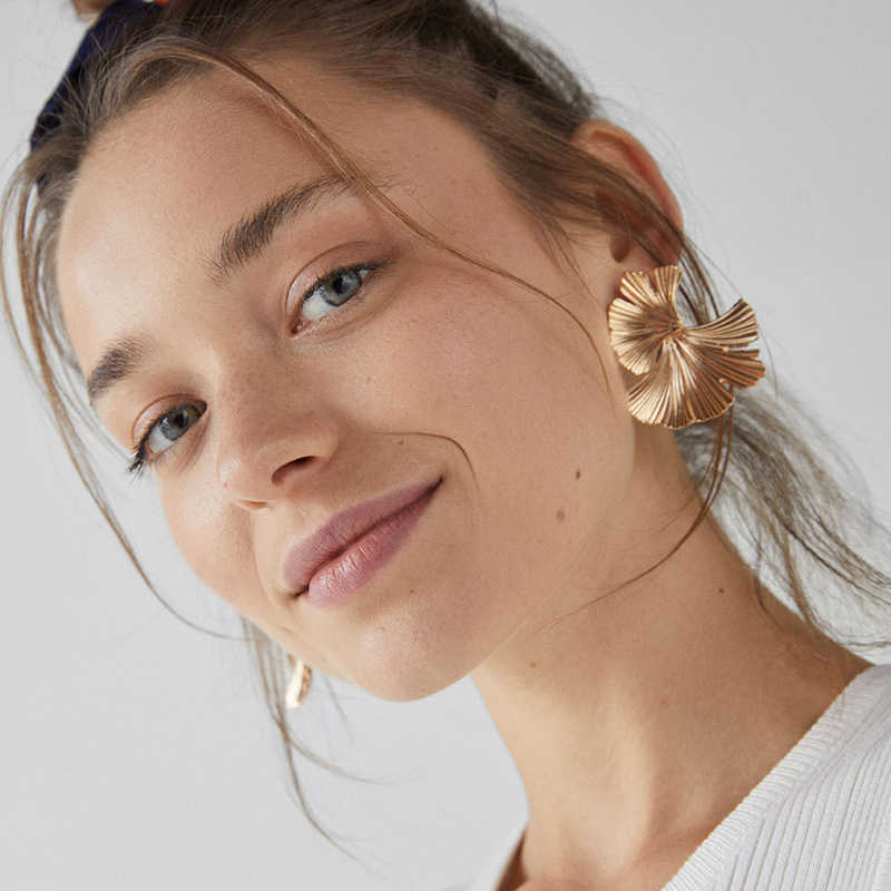 Big Leaf Stud Earrings for Women Girl Fashion Hanging Alloy Metal Earrings Punk Bridal Wedding Statement Earrings 2019 EB173