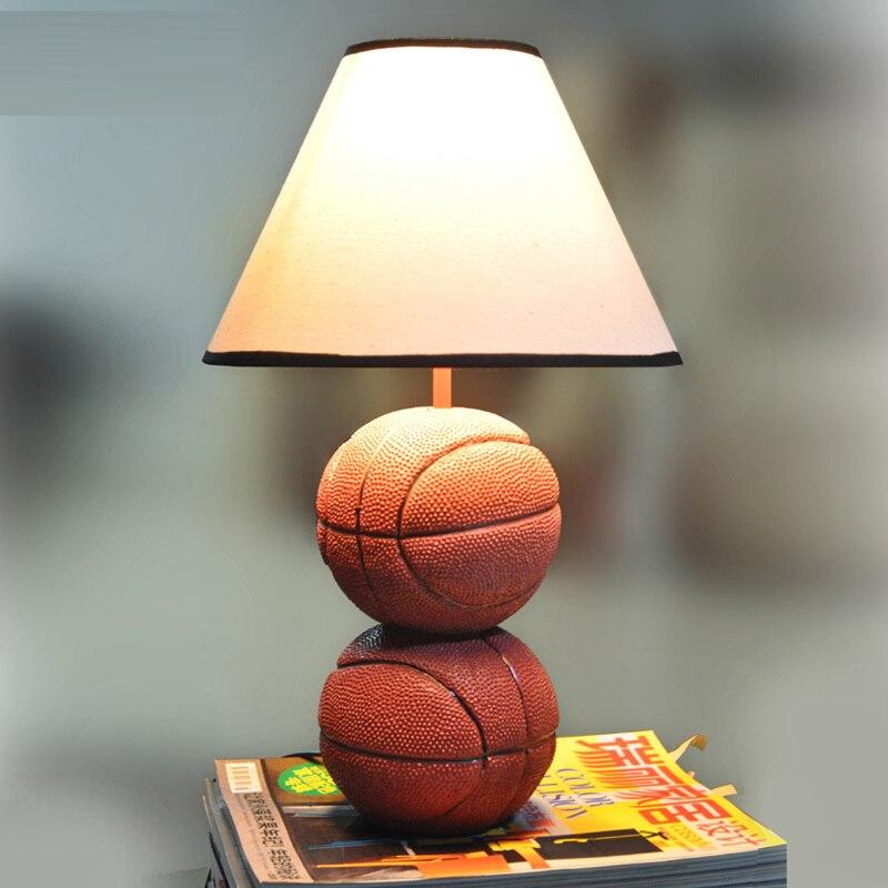 Moderne 2 boules Table lumières résine basket-ball enfants chambre mignon tissu étude salle lampe de bureau enfants bureau éclairage lampes