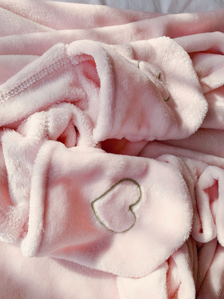Cute Pink Comfy Blanket Sweatshirt Winter Warm Adults and Children Rabbit Ear Hooded Fleece Blanket Sleepwear Huge Bed Blankets 146