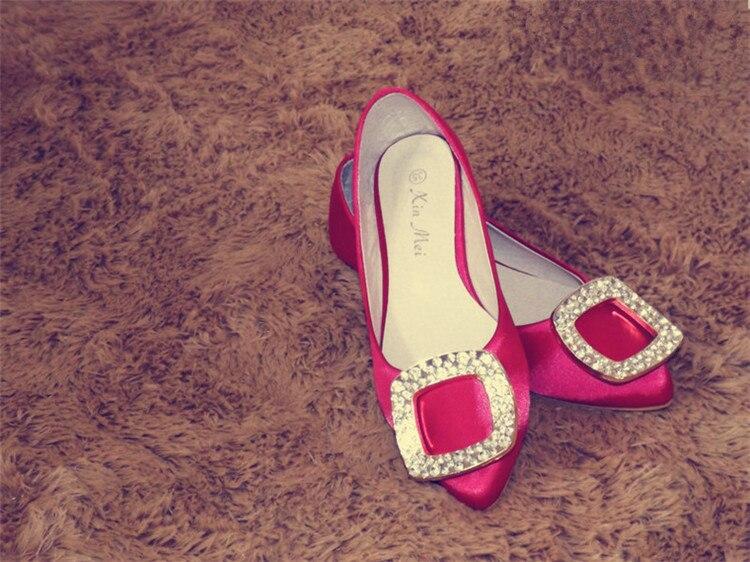 Image 5 - Женские туфли на плоской подошве с острым носком и шелковыми пятнами Роскошные туфли черного цвета со стразами в американском и европейском стиле размера плюс для ширины стопы 34 46-in Женская обувь без каблука from Обувь