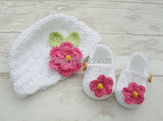 virka baby flicka och booties - nyfödd vit hatt och skor med rosa - Babykläder