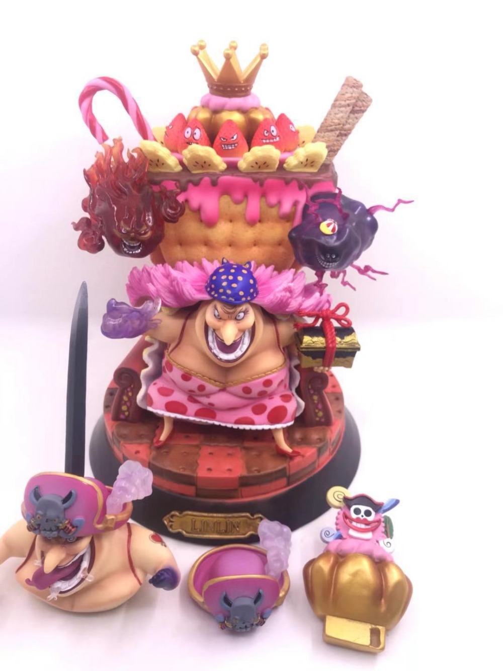 Anime di Un Pezzo Figura di Azione di Charlotte Linlin Trono BIG MOM Bambole Decorazione Collection Figurine Giocattoli Regali di Natale 25 cm