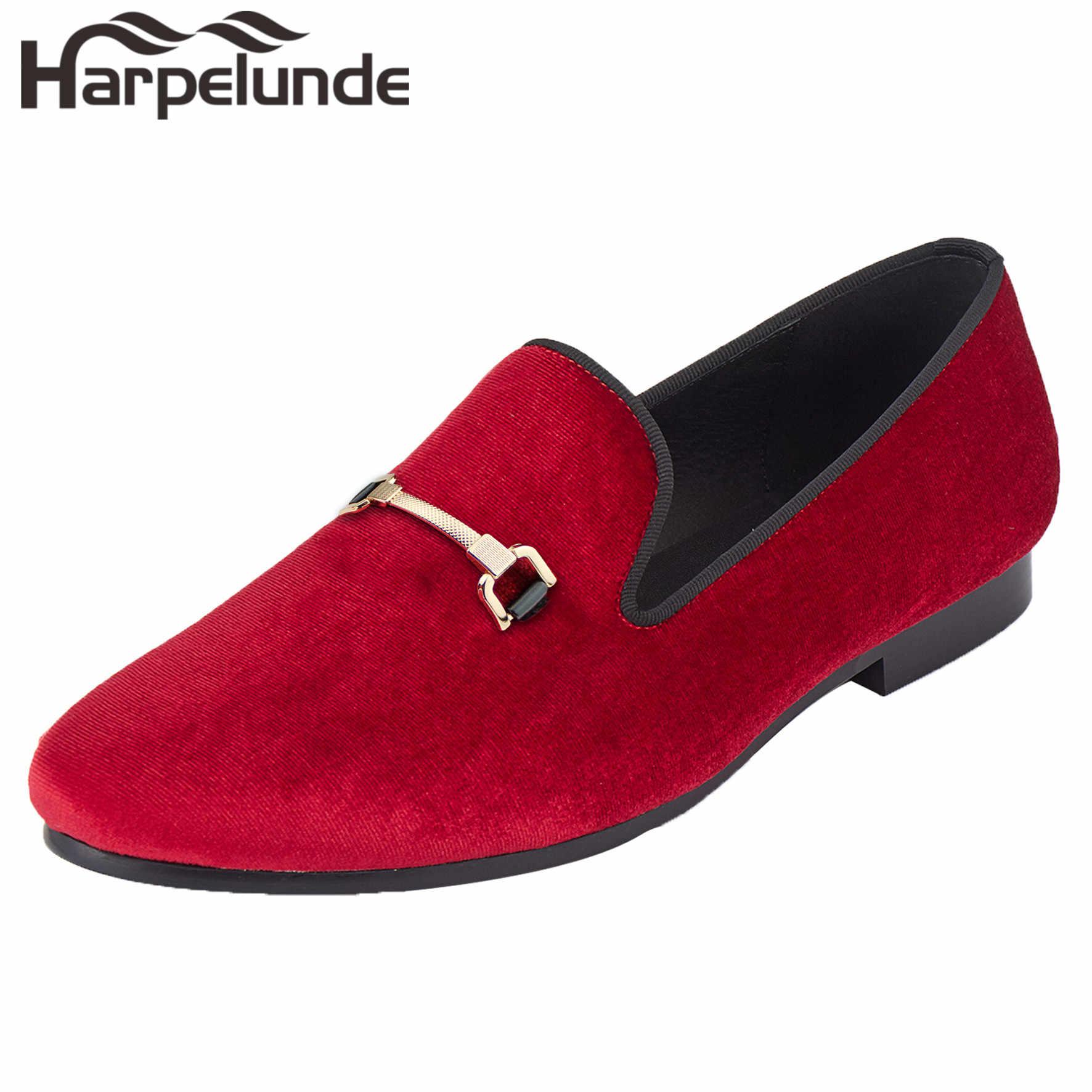 Harpelunde ผู้ชายคริสต์มาสรองเท้าหัวเข็มขัดชุดกำมะหยี่สีดำ Loafers