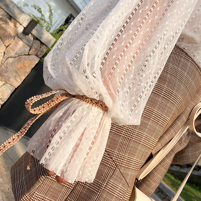 Mishow chemisier en dentelle florale chemise femmes pétale manches Blouse blanche printemps été évider hauts Blouse douce Blusas MX18A4728