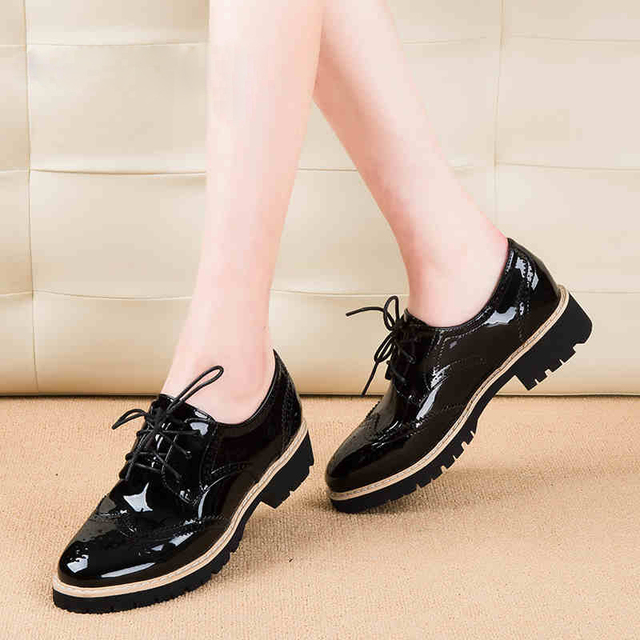 Teahoo Vintage Oxford Shoes for Women Brogues Shoes Womens Perforated Lace- up Wingtip Patent Leather Flat Oxfords 1d2164d46ad