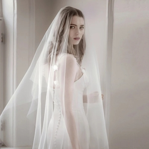 Image 4 - 6 10 15 20 30 Meters Wedding Picture Party Bridal Extra Long 6 10 15 20 30M White Mesh Tulle Veil Bride Ivory Veils Without Comb