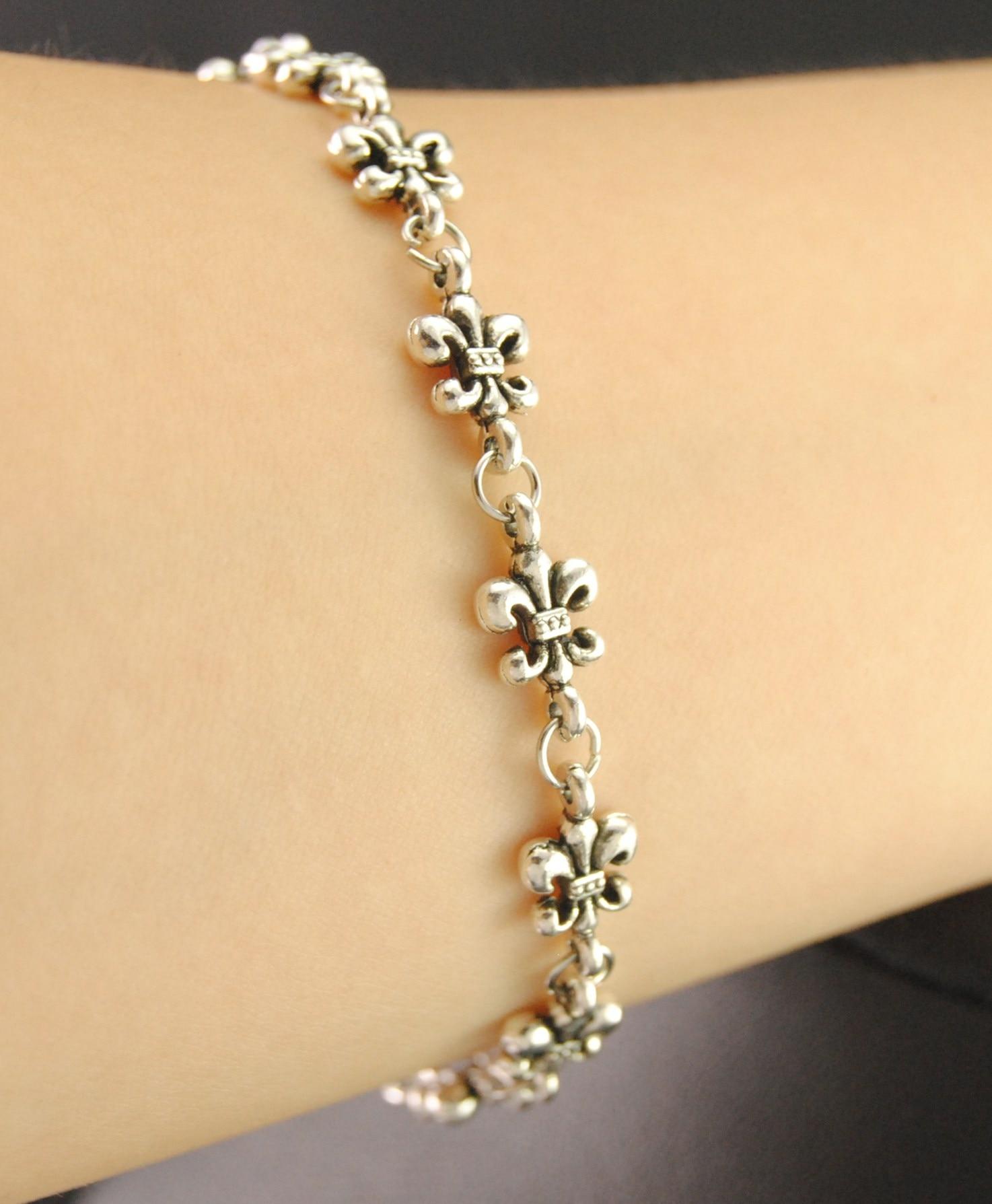 Tibetan Silver Zinc Alloy French Lily Fleur De Lis Lotus Moon Charm Chain Link Bracelet Adjustable Jewlery Accessories
