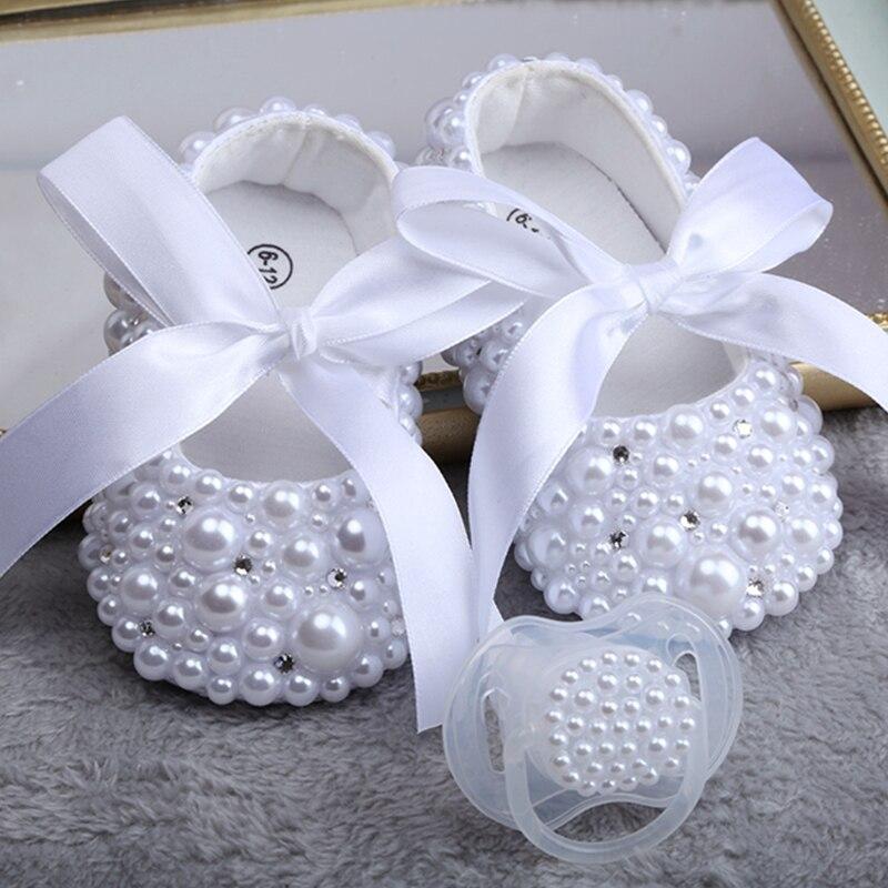 Anne ve Çocuk'ten Ilk Yürüyüş Aletleri'de Dollbling yeni saf beyaz çocuk ayakkabı inci özelleştirme el yapımı vaftiz doğum günü hediyesi prenses kız çocuk ayakkabısı title=