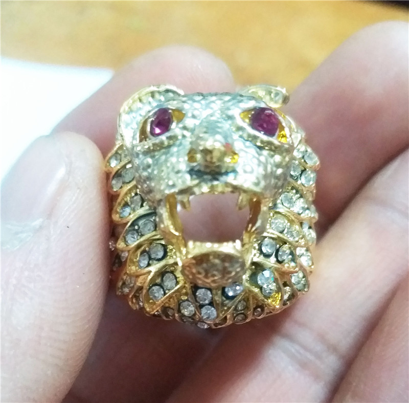 Gold Color Full Crystal Lion  s Head Men Hip Hop Rings Fashion Punk Animal  Shape Ring Male Hiphop Male Jewelry Gifts-in Engagement Rings from Jewelry  ... 448c92ec563f