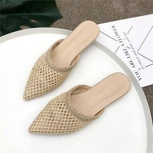 Image 2 - Женские остроносые шлепанцы на низком каблуке NIUFUNI, летние плетеные сандалии из тростника и ротанга, пляжная обувь, женские тапочки, плоская обувь, сланцы