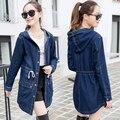 Бесплатная доставка 2016 молодая девушка свободные bf джинсовой верхняя одежда женский средней длины траншеи с капюшоном топ женская джинсовая пальто